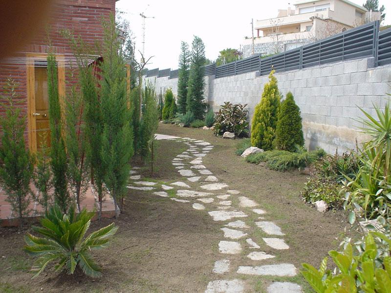 Paisajismo de jardines en tarragona construcciones y for Paisajismo jardines fotos