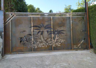 puerta de acceso decorativa corte de plasma en Tarragona